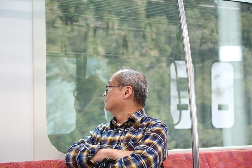 2017 4 1 何も知らず旅情に浸るおじさん ブログ用.jpg