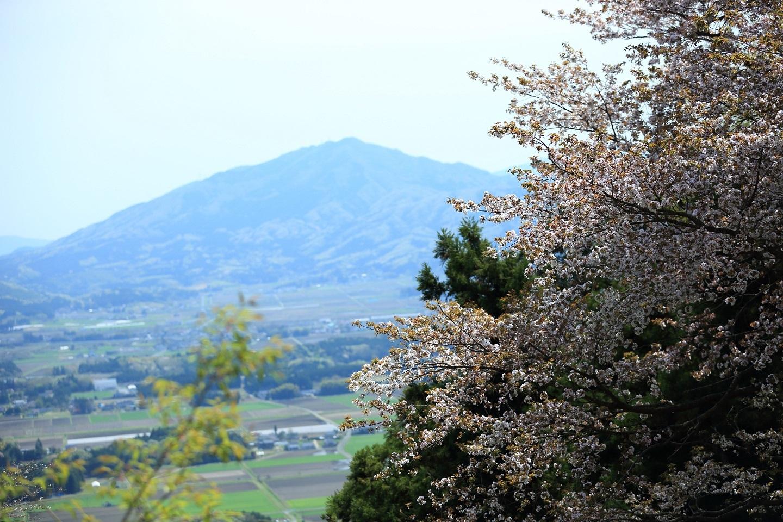 2017 4 20 春霞のつくばを仰ぐ ブログ用.jpg