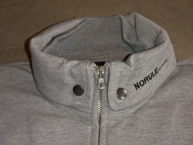 NORULE Stand collar jk gray1