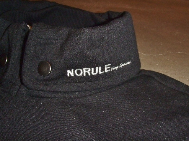 NORULE Stand collar jk black2