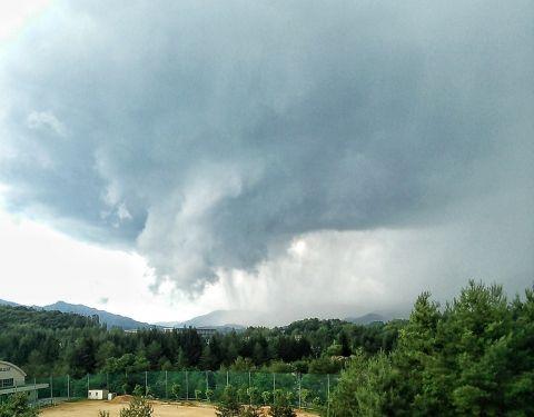 tornado45786786.jpg