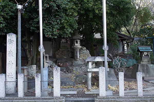 六所社御嶽神社