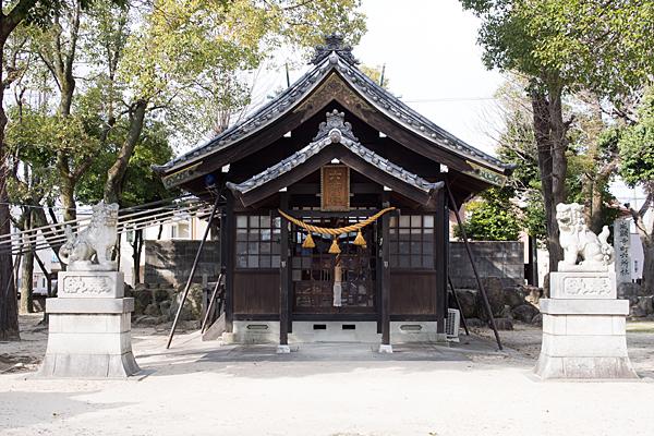 六所神社拝殿