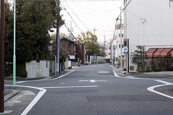 稲置街道の辻