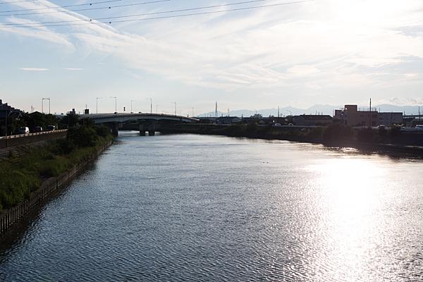 庄内川の広い流れ