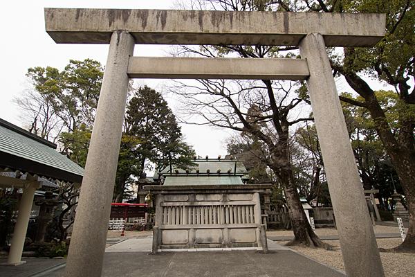 上飯田六所宮鳥居と蕃塀