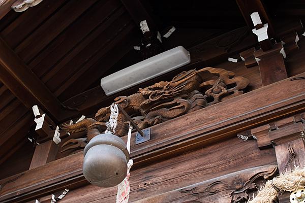 大我麻神社拝殿の彫り物