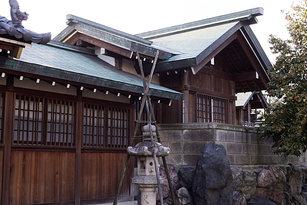 大我麻神社渡殿と本殿