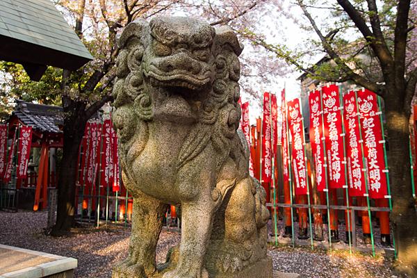 紀左衛門神社狛犬