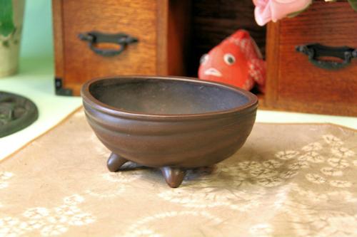 三脚卵植木鉢