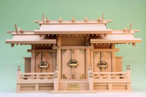 【神具】弥栄屋根違い神殿三社 低床型(大)(神棚)