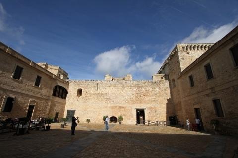 2820 Castillo de Santiago