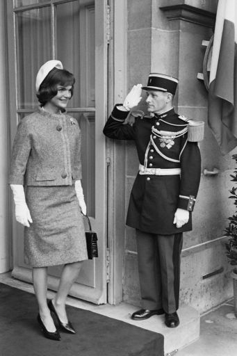 Jackie-Kennedy-Onassis-Style-Pictures_512.jpg