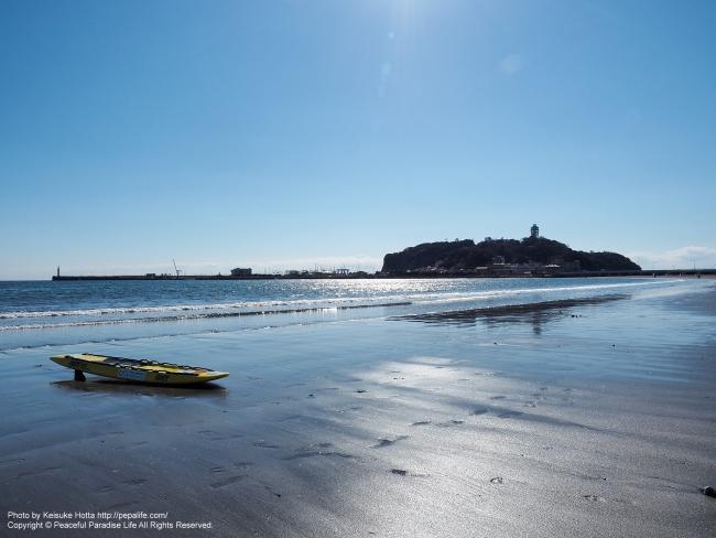 腰越海岸と海と江ノ島