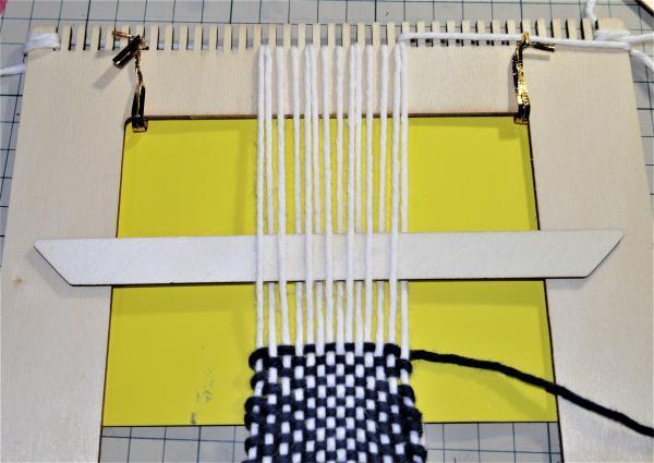 手織りでストレートヤーン試し織り20170408