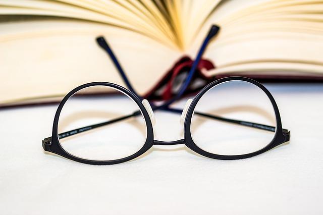 glasses-1934296_640.jpg