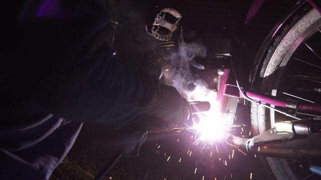 フキプランニングFK310 LAⅢ 、にチャンバーを。溶接作業