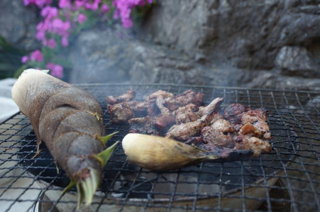 鹿肉を焼いて・筍を焼いて