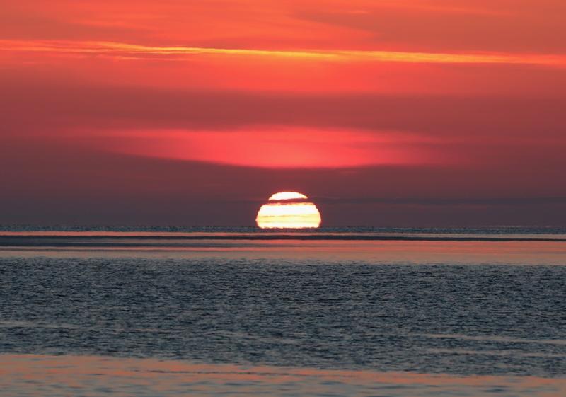 変形太陽4170216