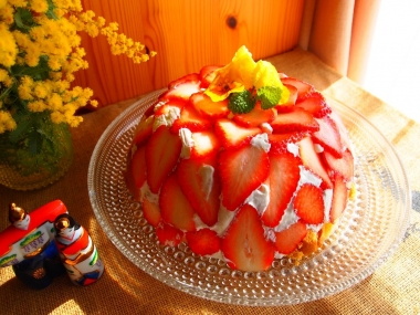 strawberry dome cake