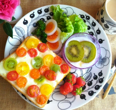 colorful tomato cheese toast