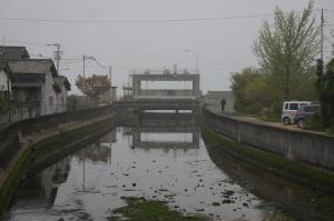 霧の中の水門21