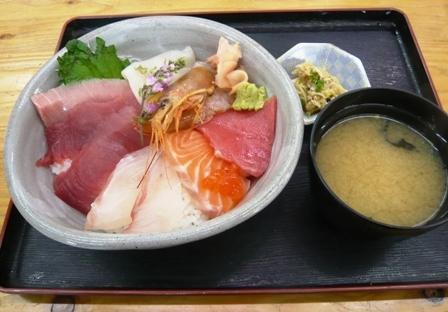 宮本商店:さしみ丼1