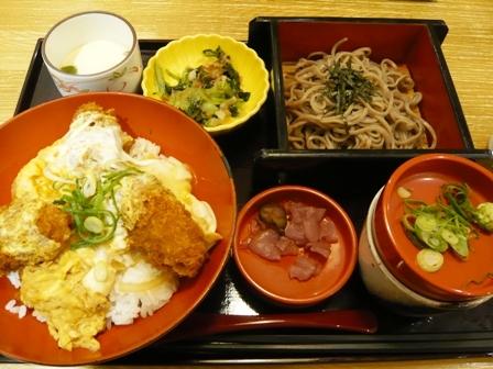 四六時中:ミニ牡蠣玉子とじ丼セット1