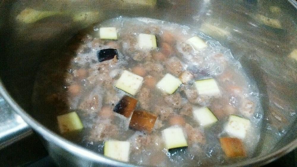 豆と鹿肉の煮込みの作り方3
