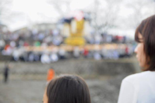 西条祭り 飯積神社祭礼 渦井川河川敷 太鼓台のかきくらべ
