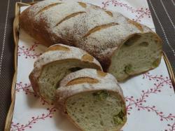 桜の豆パン
