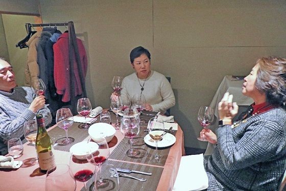 2017年2月ワイン会_みんなで語り合う