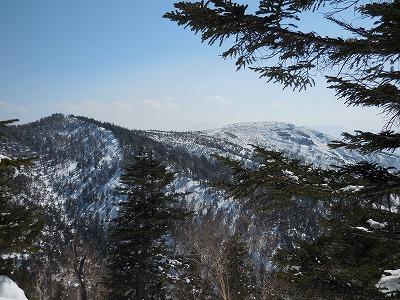 03右奥に白根山最高点(2,171m峰)
