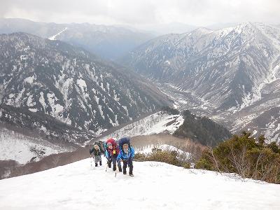 042202白毛門への登り