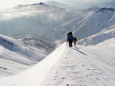 042403柄沢岳への登り