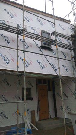 外壁防水シート貼り付け