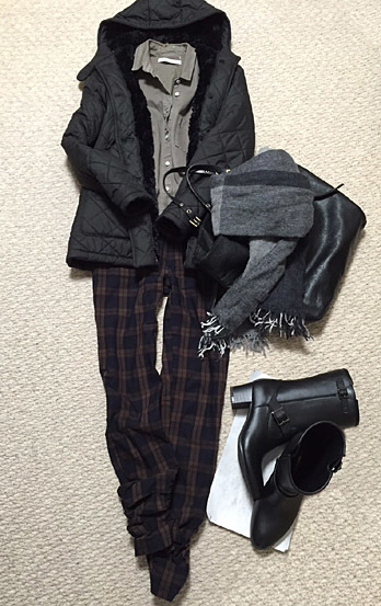 「MODE KAORI(モードカオリ)」のミドル丈レインブーツ、おろしました