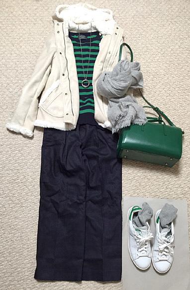 「YAHKI」のバッグと「STAN SMITH」の靴の組み合わせが好きです