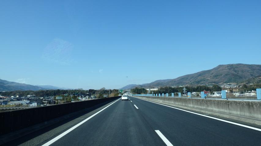 徳島自動車道を突っ走り