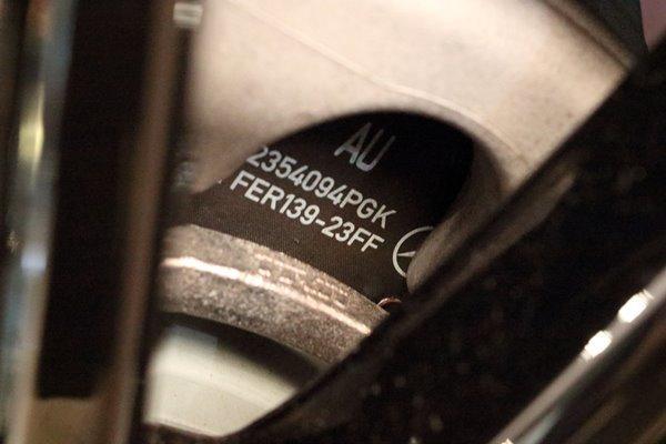 04, 2017-05-05 グランフロント大阪 メルセデス 065 2 スターウォーズ エディション リア ディスクパッド 600×400