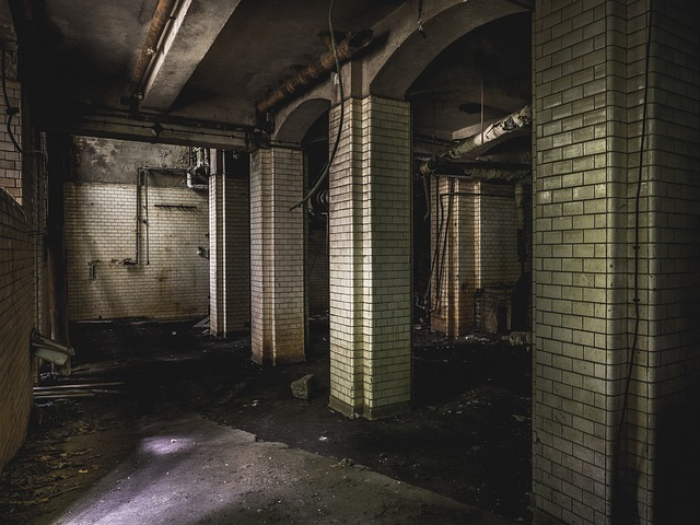 フリー画像・レンガの廃墟