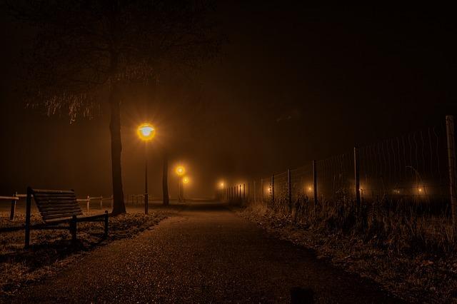 フリー画像・セピアな夜