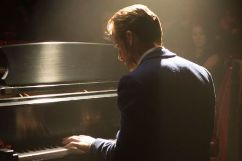 gallery-1485269037-ryan-gosling-piano.jpg