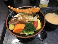 サーモンサバ焼き丼170311