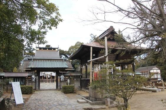唐門と神楽殿