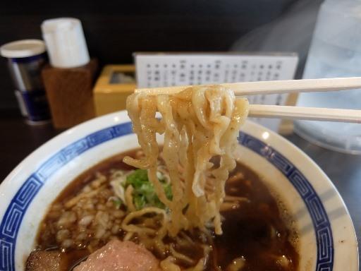 手揉み太縮れ麺