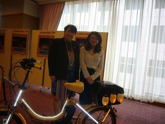 堺市市会議員山口典子先生と講師の谷村志穂先生