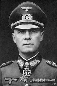 200px-Bundesarchiv_Bild_146-1985-013-07,_Erwin_Rommel