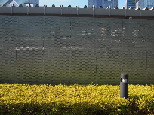 20170304・新宿散歩4-21・南新宿駅は見えない。x±x