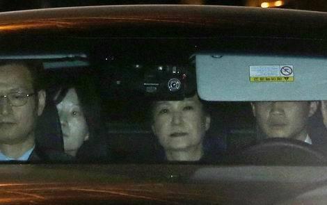 韓国 護送される朴槿恵前大統領(470x295)20170331